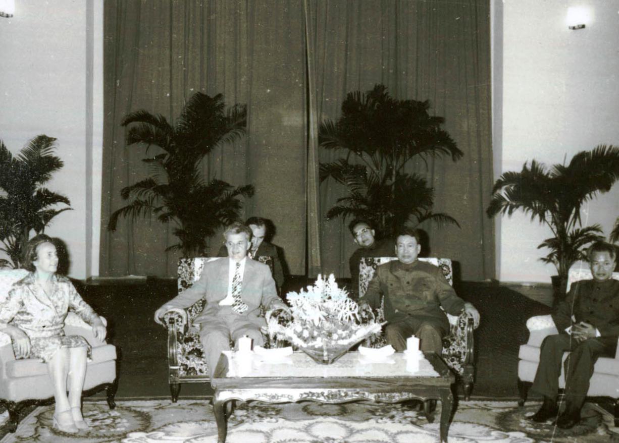 Nicolae_Ceaușescu_with_Pol_Pot