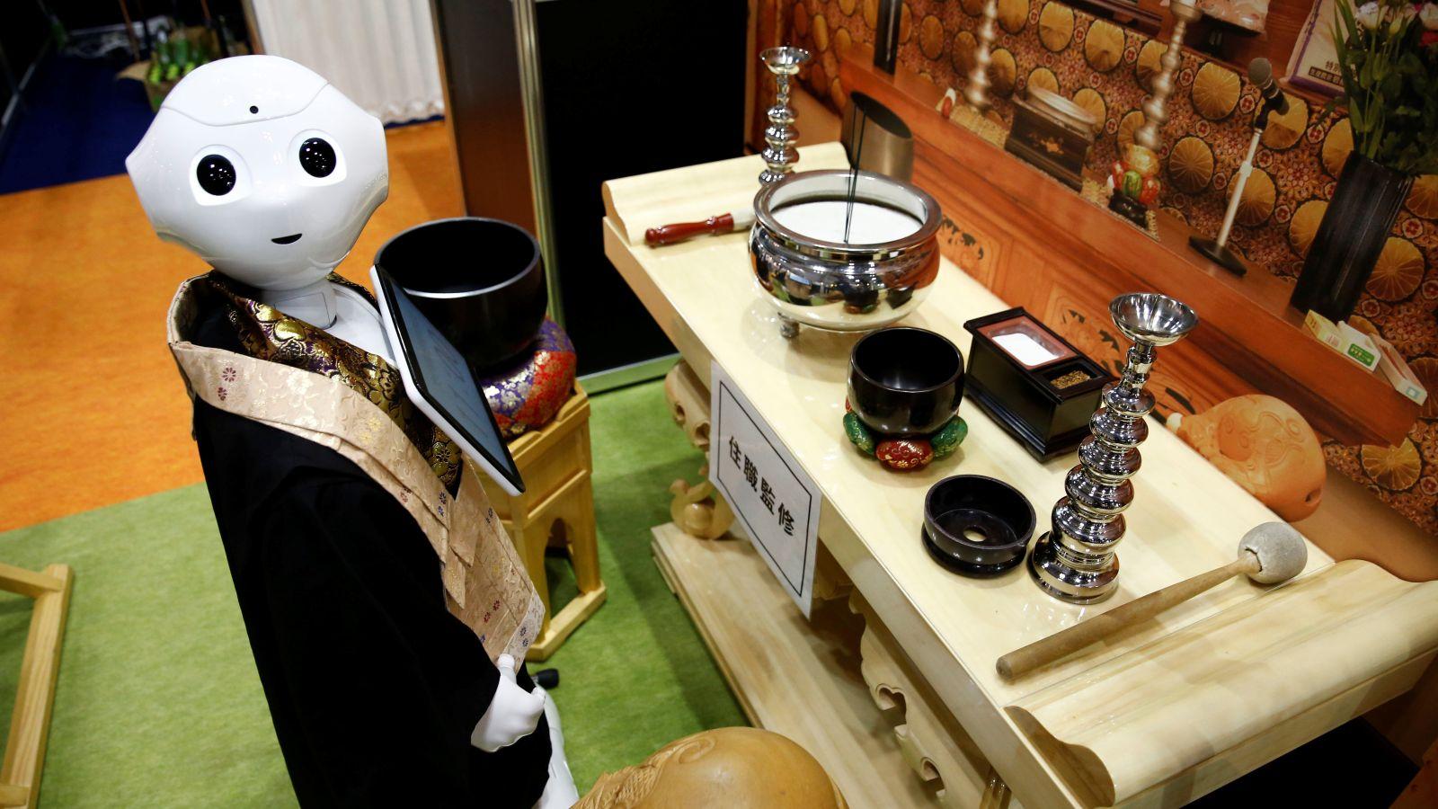 robot moine pepper funérailles
